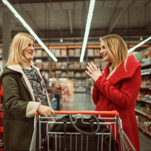 Im Supermarkt kommt man öfter mal in die Situation, alte Bekannte zu treffen.