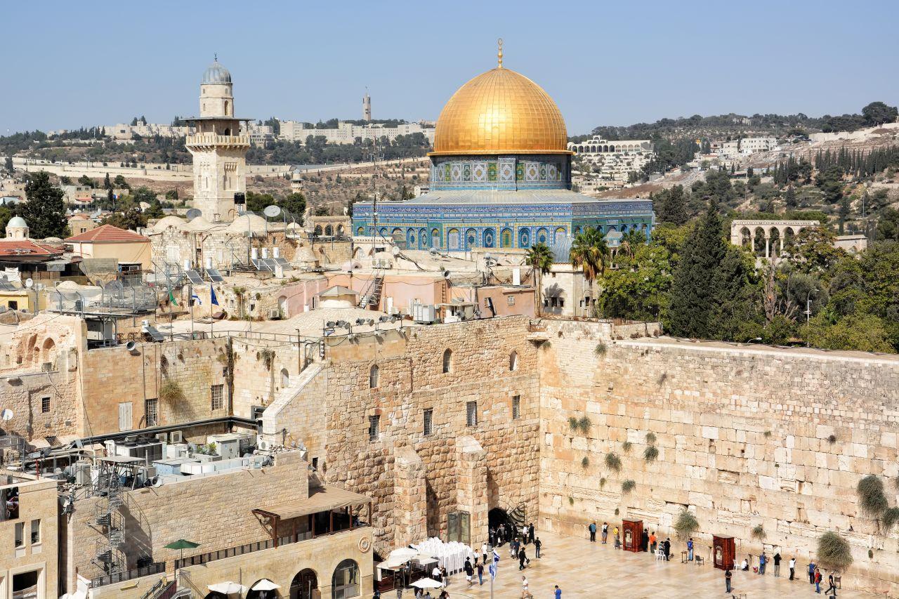Die Altstadt von Jerusalem mit dem Tempelberg, Felsendom und Klagemauer