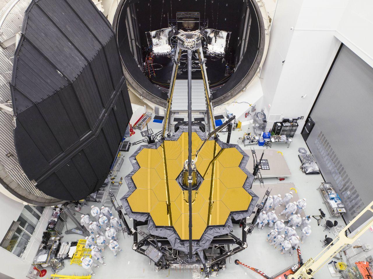 Das James-Webb-Weltraumteleskop beim Test auf der Erde