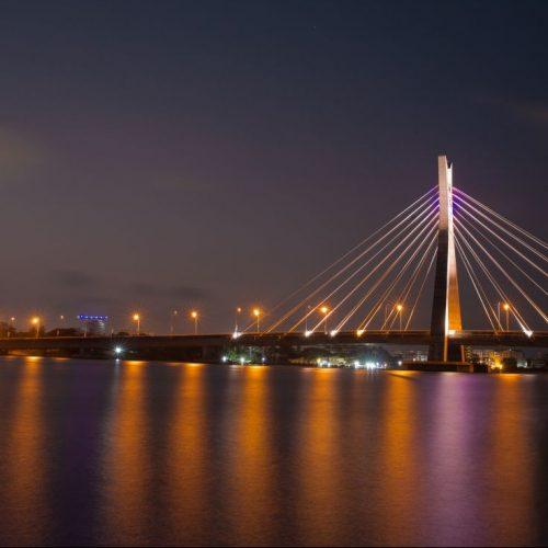 Die Lekki Ikoyi-Brücke in Lagos gilt als eines der Wahrzeichen des modernen Nigerias.