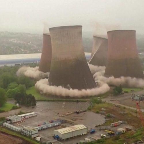 Die Explosion eines Kohlekraftwerks.
