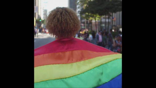 Regenbogenflagge: Das bedeuten die Farben - 10s