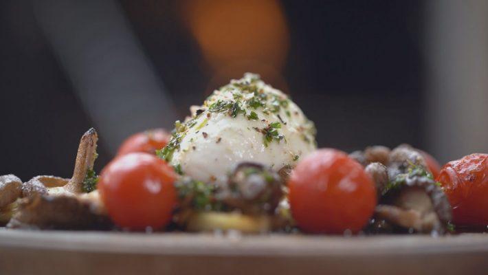 Geräucherter Büffelmozzarella/Tomaten/Pilze