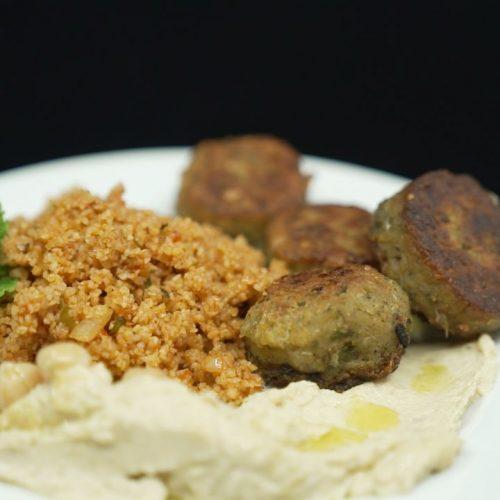 Kitchen Moves Galileo Falafel Rezepte: Heute zeigen wir dir, wie du die orientalischen Bällchen selbt zubereitest.