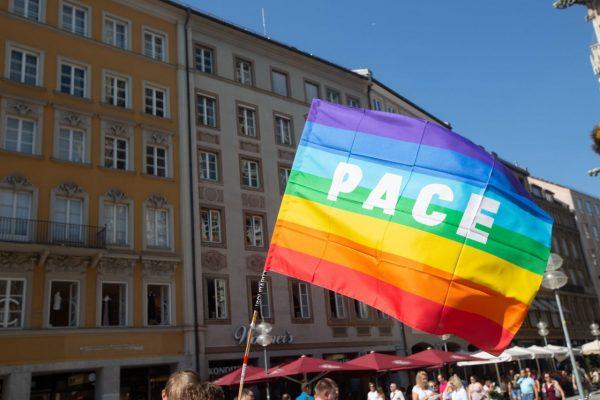 Pace-Flagge als Symbol für Frieden