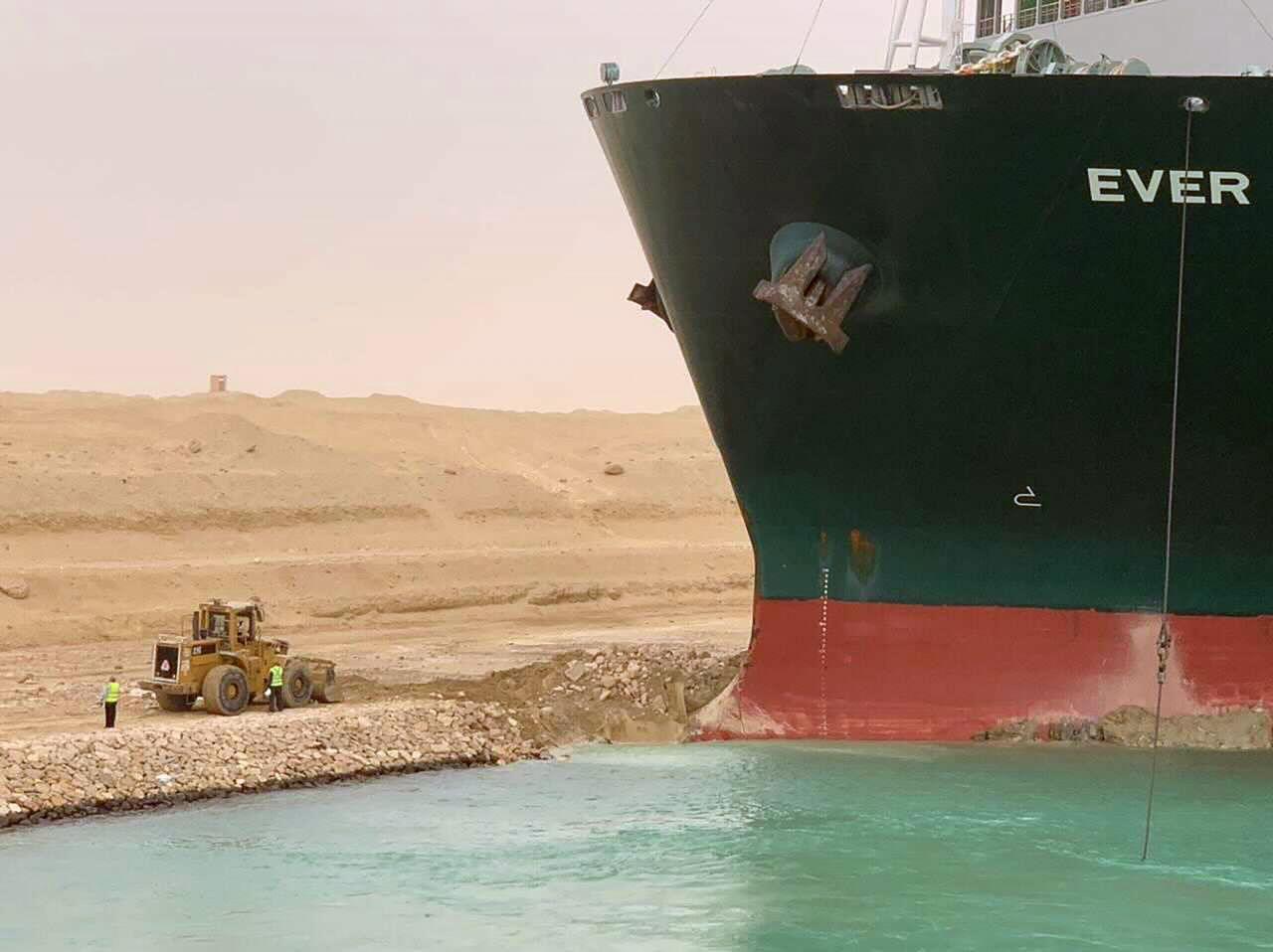 Die lustigsten Memes vom Schiff im Suezkanal