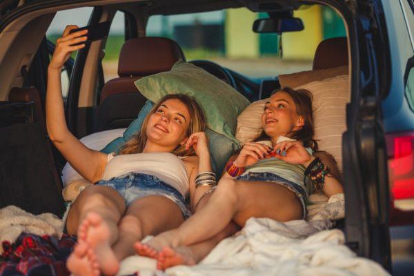 Schlafen im Auto