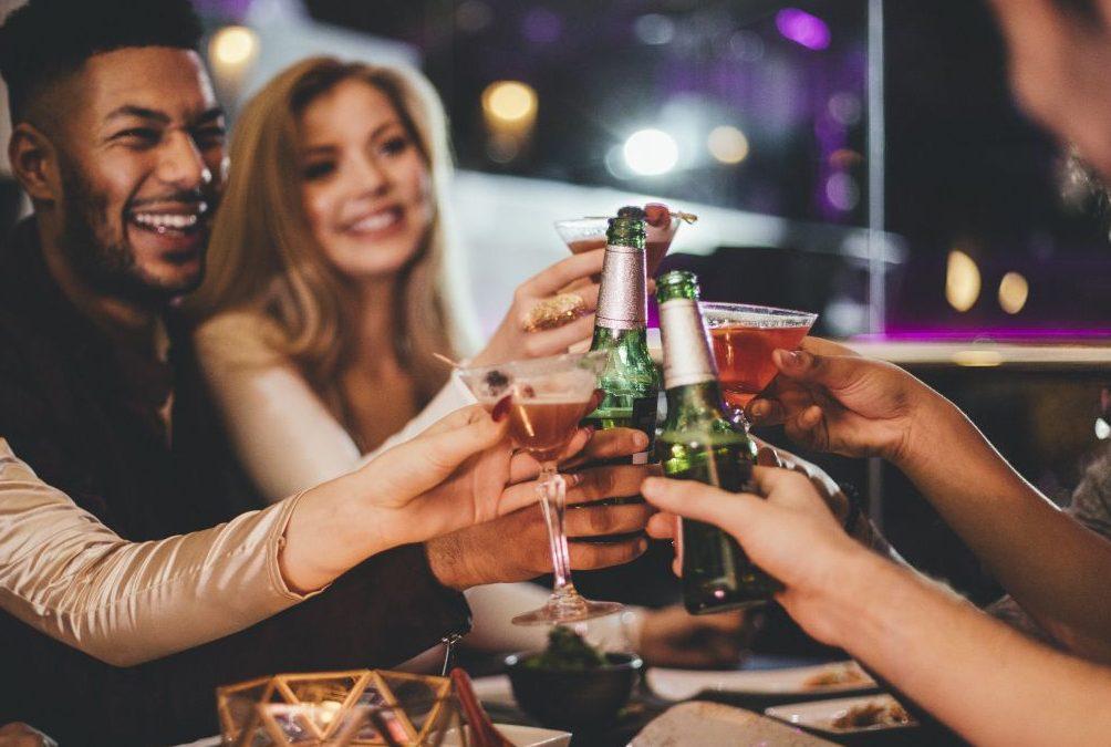 Wie Alkohol im Körper wirkt - und ab welcher Menge es kritisch wird