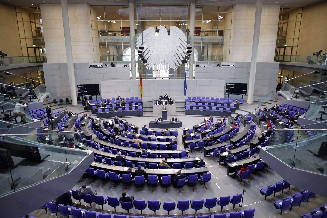 Bundestagswahl 2021: Alle Infos zu Umfragen, Kandidaten, Parteien und Ablauf
