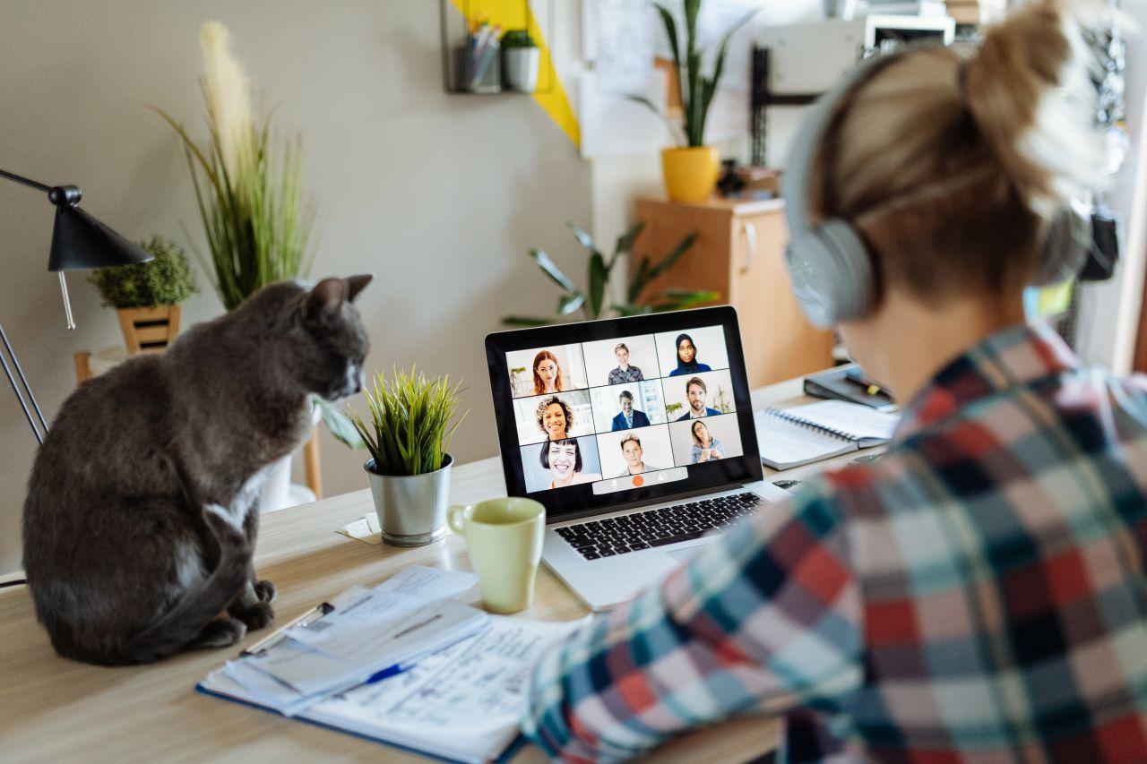 Home Office: Wie teuer ist das Arbeiten daheim - und wie sparst du Geld?