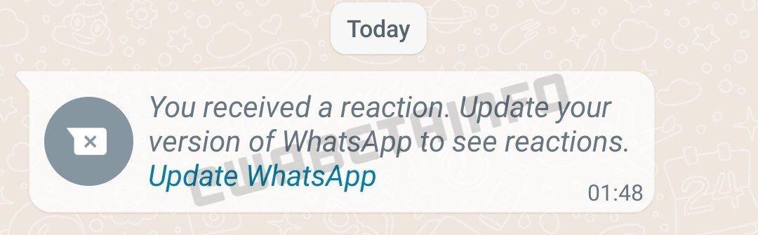 In der neusten Beta-Version zeigt WhatsApp einen Hinweis auf eine veraltete Version. Um eine Reaktion sehen zu können, muss die WhatsApp-Version aktualisiert werden.