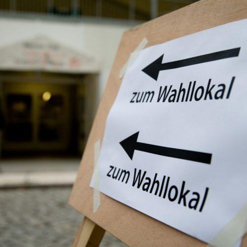 Am Wahlsonntag sind in jeder Gemeinde Wahllokale geöffnet, in denen Wählerinnen und Wähler ihre Stimme abgeben können.