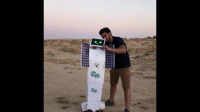Clips der Woche: Die kleinsten Äpfel der Welt und der Roboter Messias - 10s
