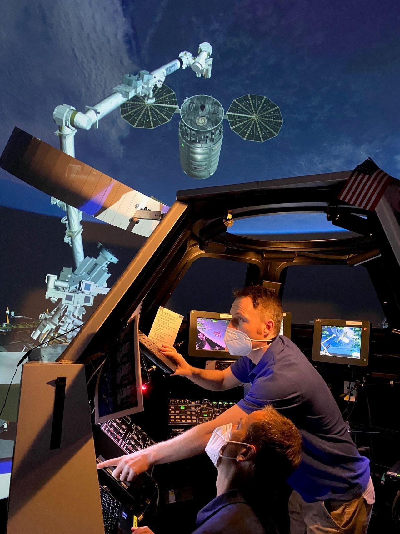 ESA-Astronaut Matthias Maurer im NASA-Cupola-Training-Modul in Houston, Texas