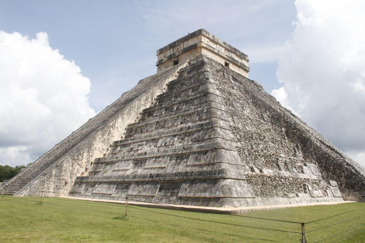 Maya - Stufenpyramide -