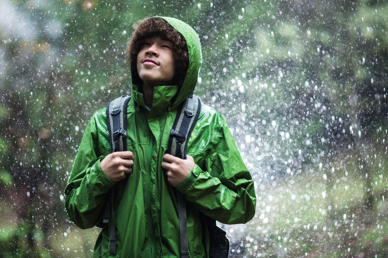 Petrichor: Wie entsteht der besondere Geruch von Regen?