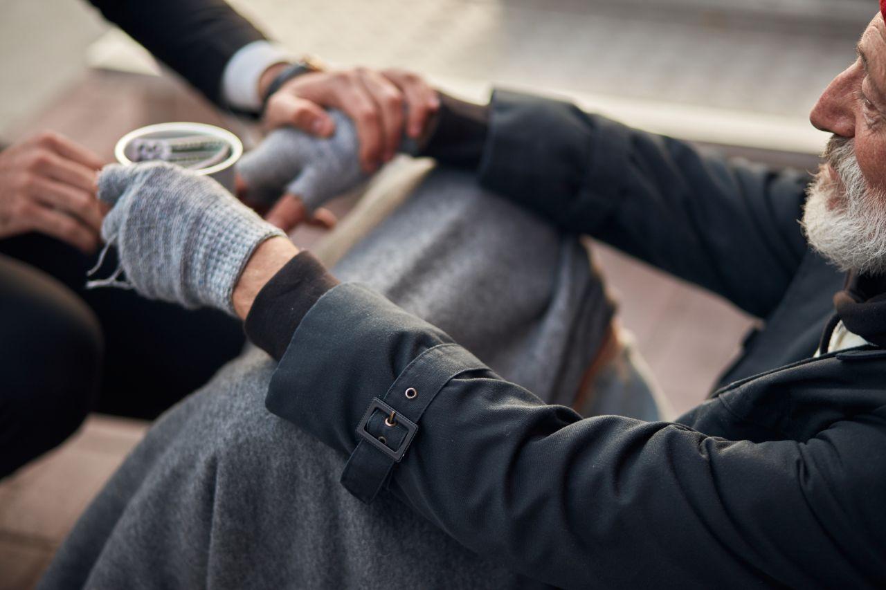"""""""The Social Sneaker"""" - mit diesen Aktionen hilfst du Obdachlosen"""