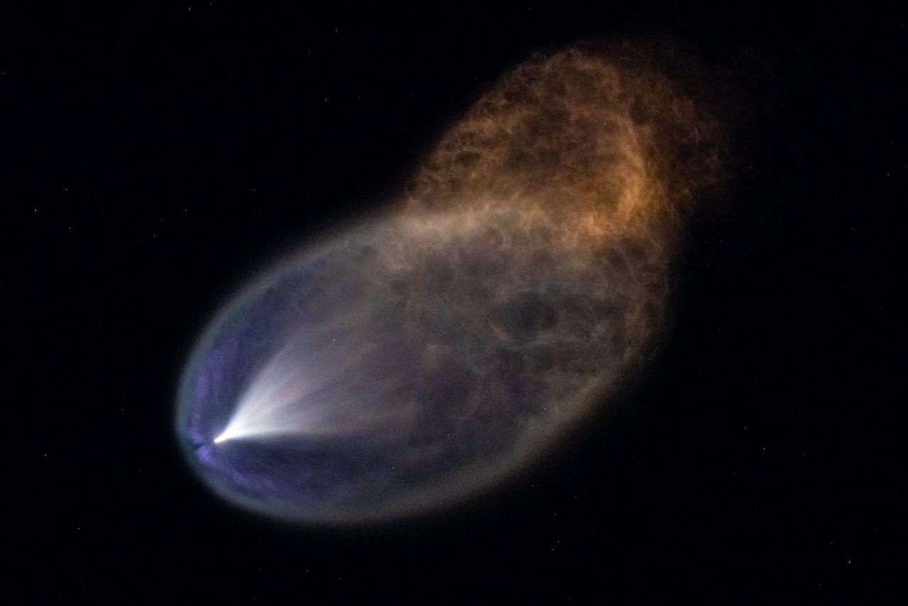 Abgase der Falcon-9-Rakete