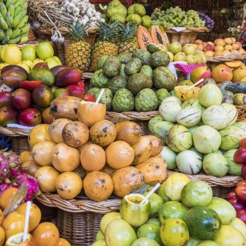 Wusstest du, dass nur 20 Prozent unserer Früchte aus Deutschland stammen? Der Rest wird importiert - teils quer über den Globus. Aber vielleicht nicht mehr lange? In unserem Clip besuchen wir ein tropisches Gewächshaus in Bayern. Plus: heimisches Superfood.