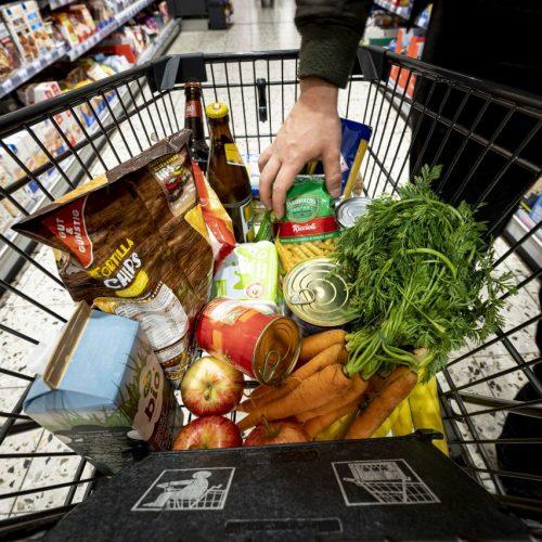Wo jeder die Inflation spüren kann: Wenn man im Supermarkt plötzlich für den gleichen Geldbetrag weniger Waren einkaufen kann.