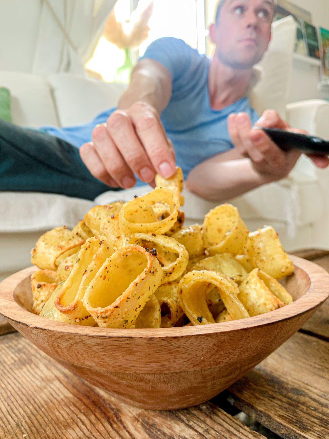 Pasta-Chips selber machen: Das Rezept zum TikTok-Trend